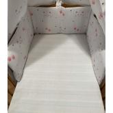 SDS Mantinel do postýlky Kočičky bílá  Bavlna, výplň: Polyester, 195/28 cm